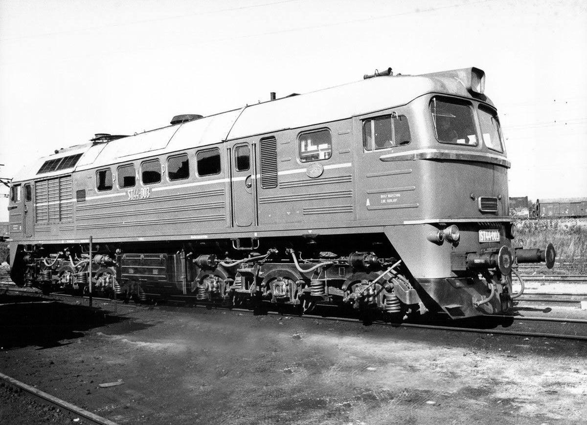 ST44-003.jpg