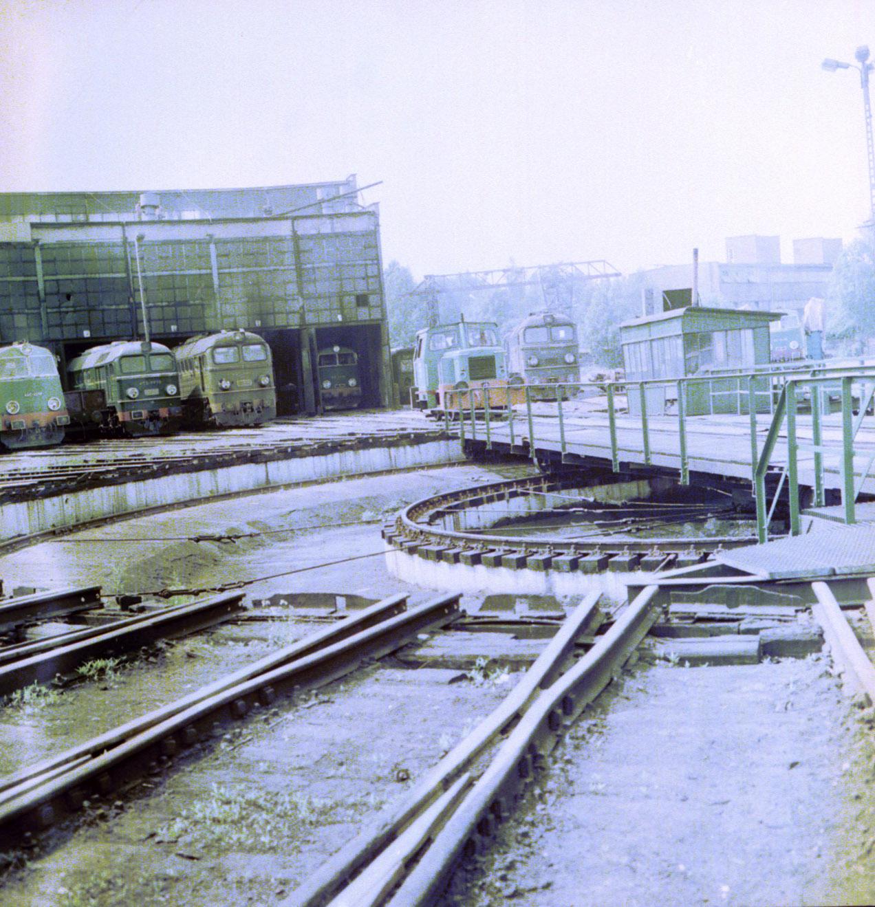 ST44-1051, Białystok, 1986.jpg