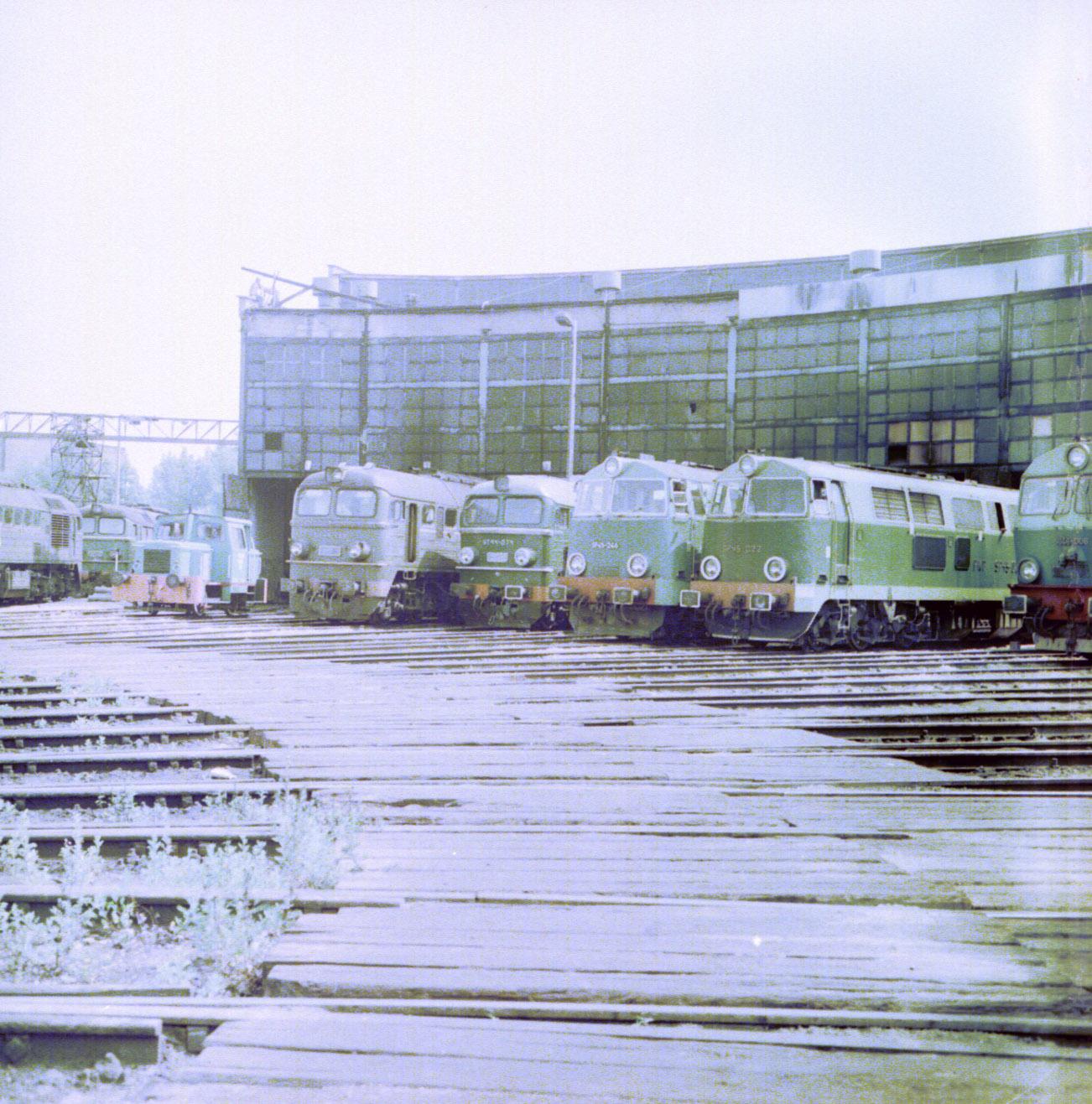 ST44-400 i ST44-074, Białystok, 1986.jpg