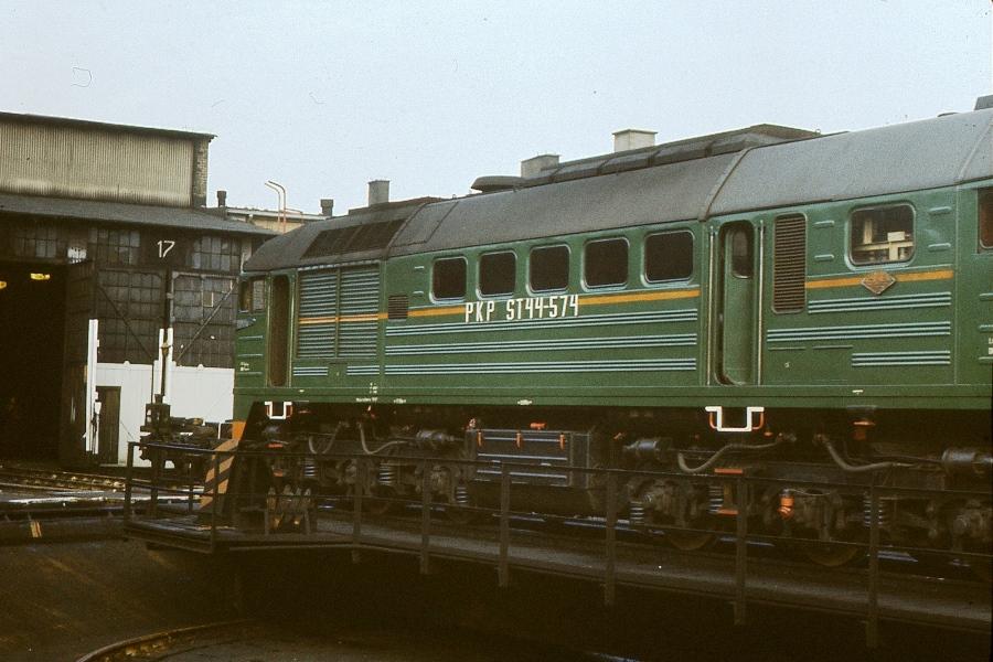 ST44021a.jpg