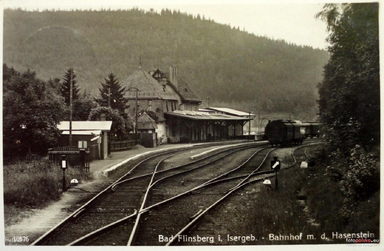 Stacja_kolejowa_Swieradow-Zdroj_561471_Fotopolska-Eu.jpg
