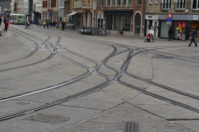 tram double slip antwerp belgium.jpg
