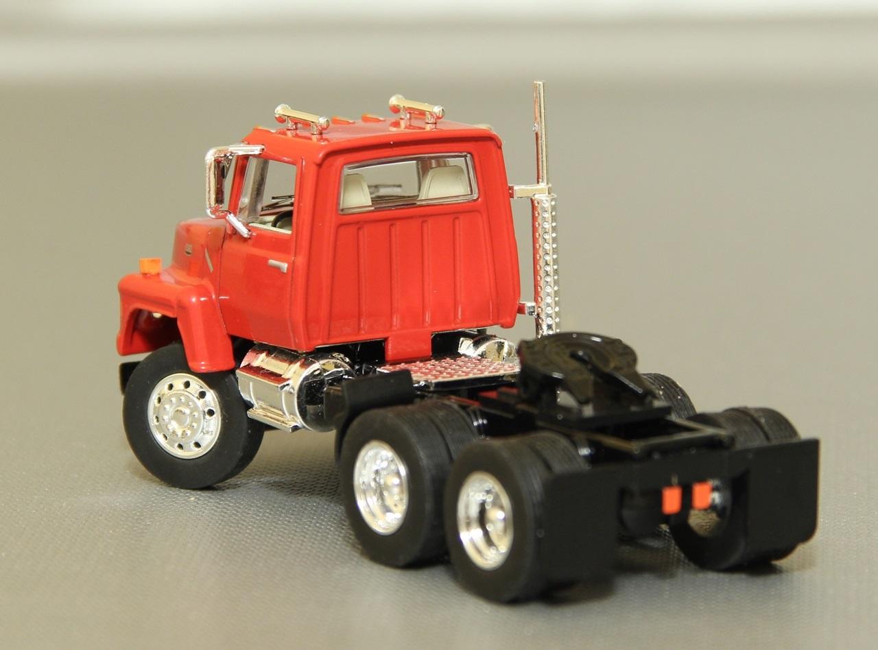 TSR-Ford-L9000-03.JPG