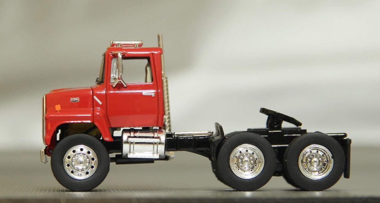 TSR-Ford-L9000-04.JPG