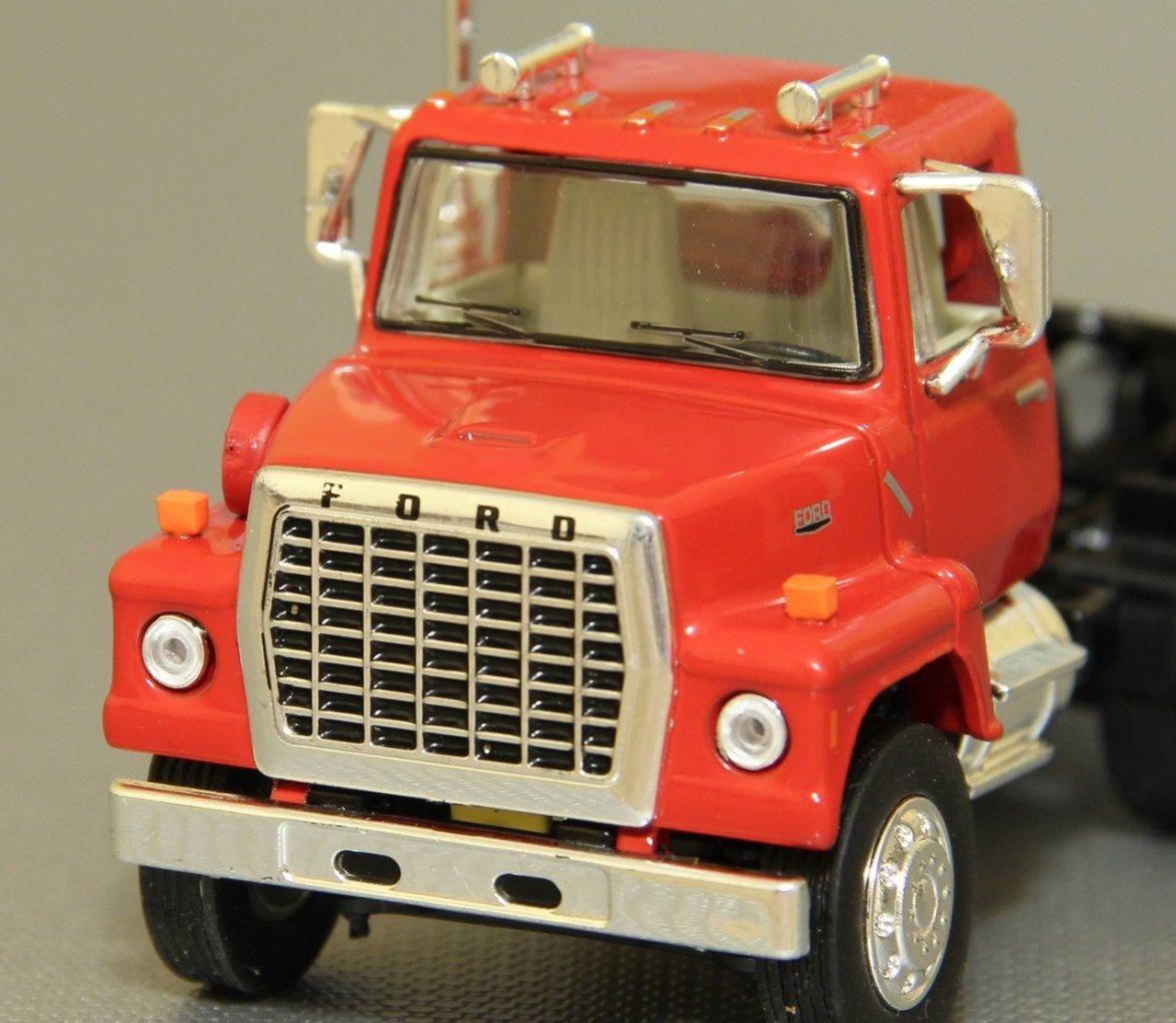 TSR-Ford-L9000-05.JPG