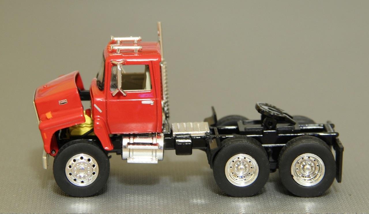 TSR-Ford-L9000-06.JPG