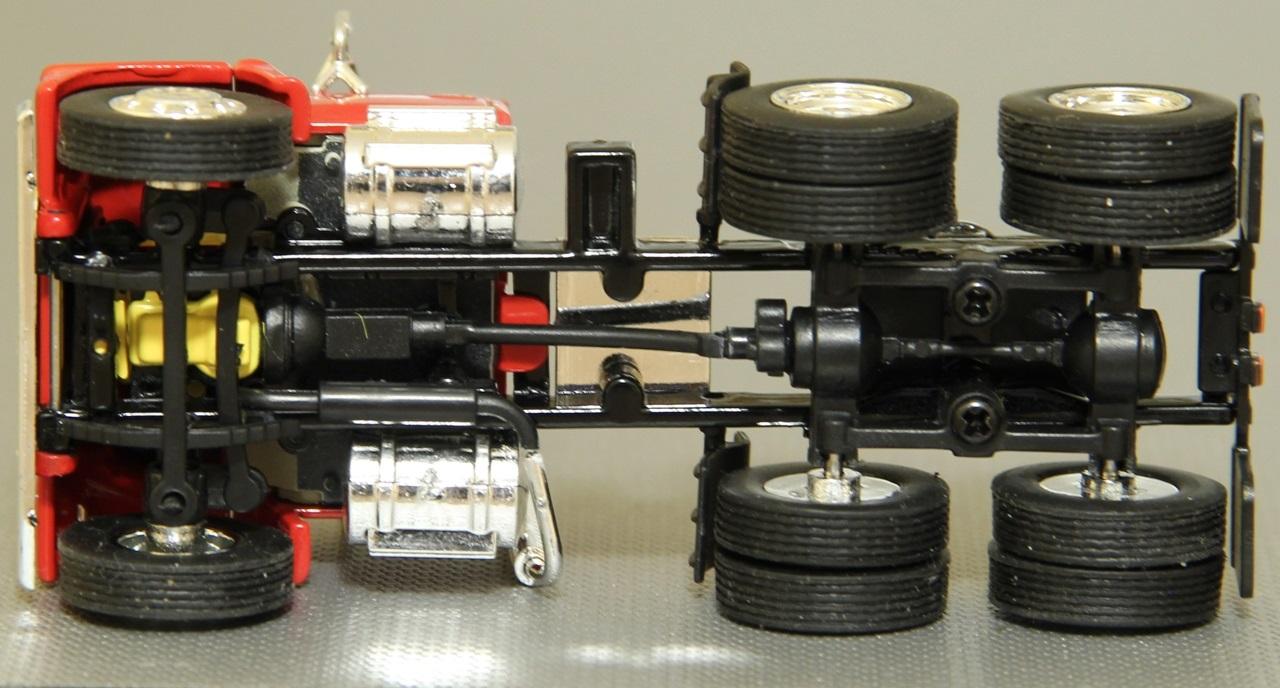 TSR-Ford-L9000-07.JPG