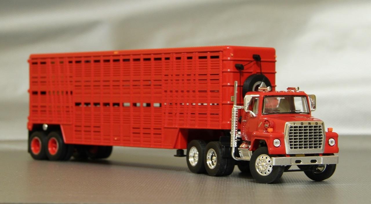 TSR-Ford-L9000-09.JPG