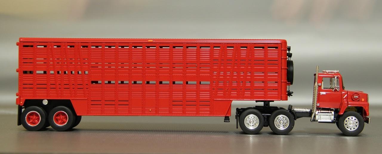 TSR-Ford-L9000-13.JPG