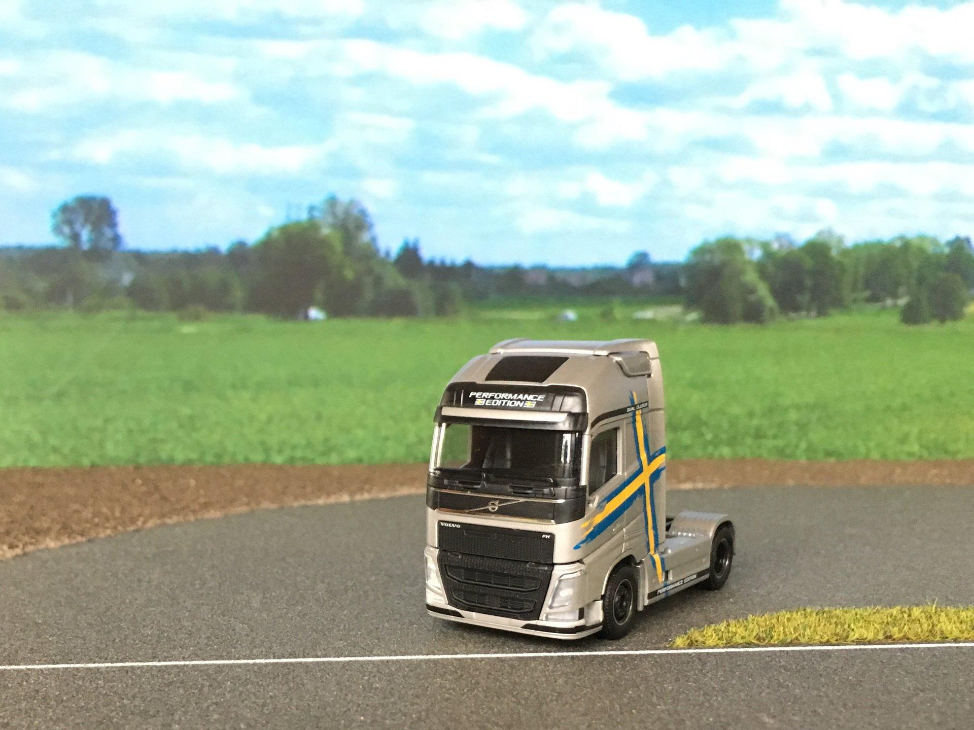 Volvo FH Performance 002.jpg