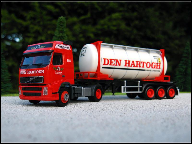 Volvo_FH12_Den_Hartogh.JPG
