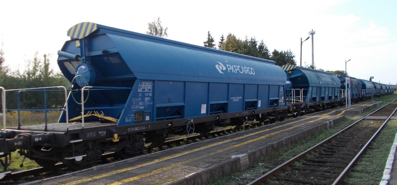 Wagony typu 430S (Tadds) na stacji Dobre Miasto 09.09.2019 (3).jpg