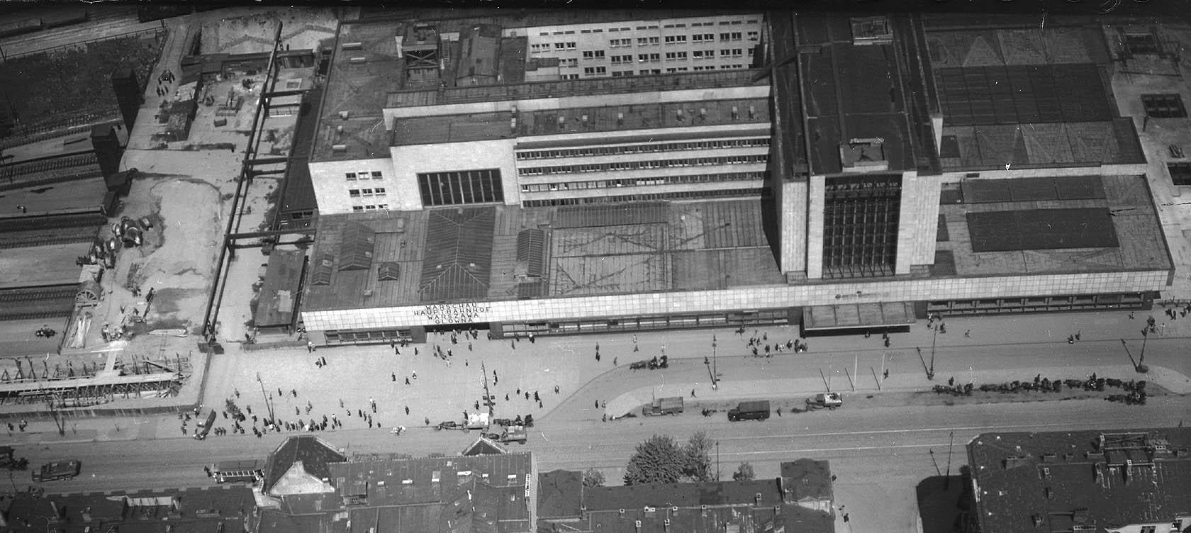 Warschau Hauptbahnhof, Warszawa Główna, wiosna 1944 (2).jpg