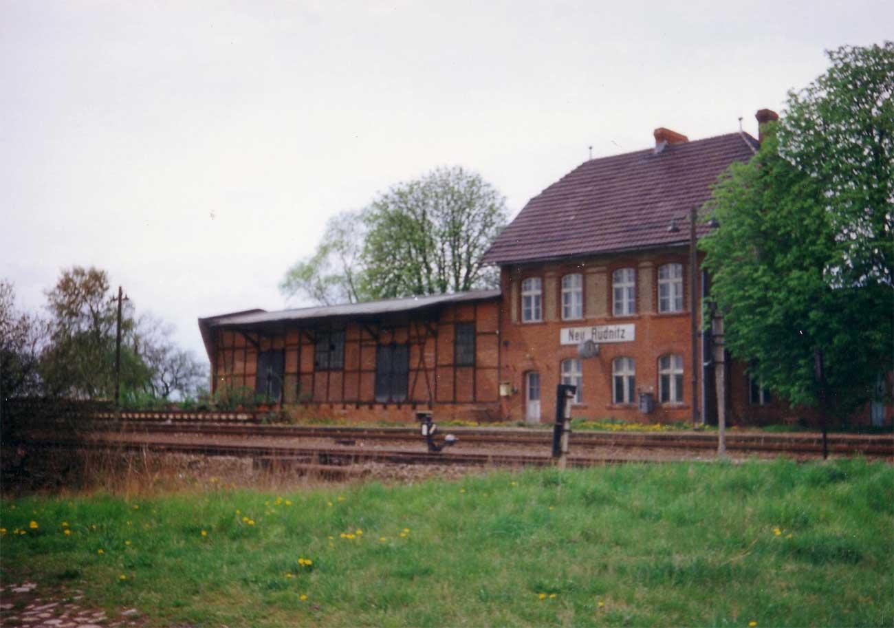 Wriezen-Jaedickendorf-1992-Neuruednitz www_rbd-erfurt_de.jpg