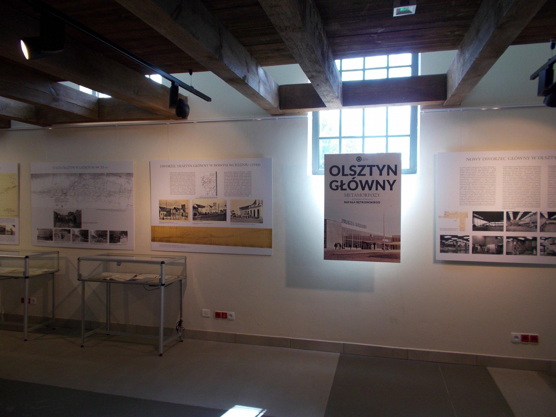 Wystawa Olsztyn Główny - metamorfozy (0a).jpg