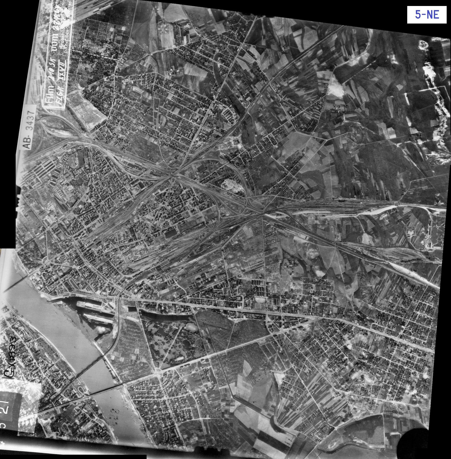 Zdjęcie lotnicze Luftwaffe - Warszawa 27.07.1944 (5-NE).jpg