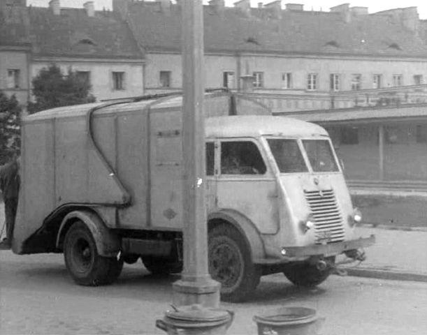 zzzzzzzzzRenault 208D Garbage truck 1948.jpg