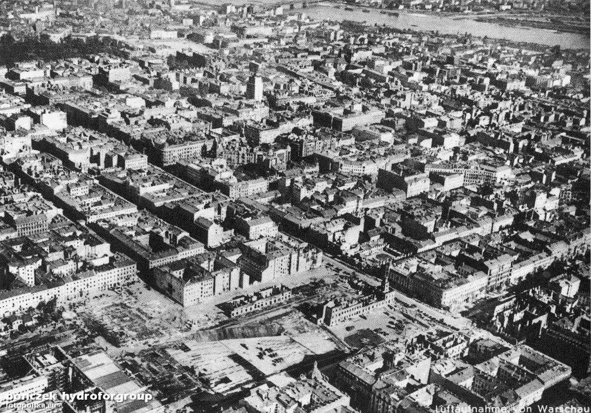 12. Zdjęcie lotnicze Luftwaffe 1940.jpg