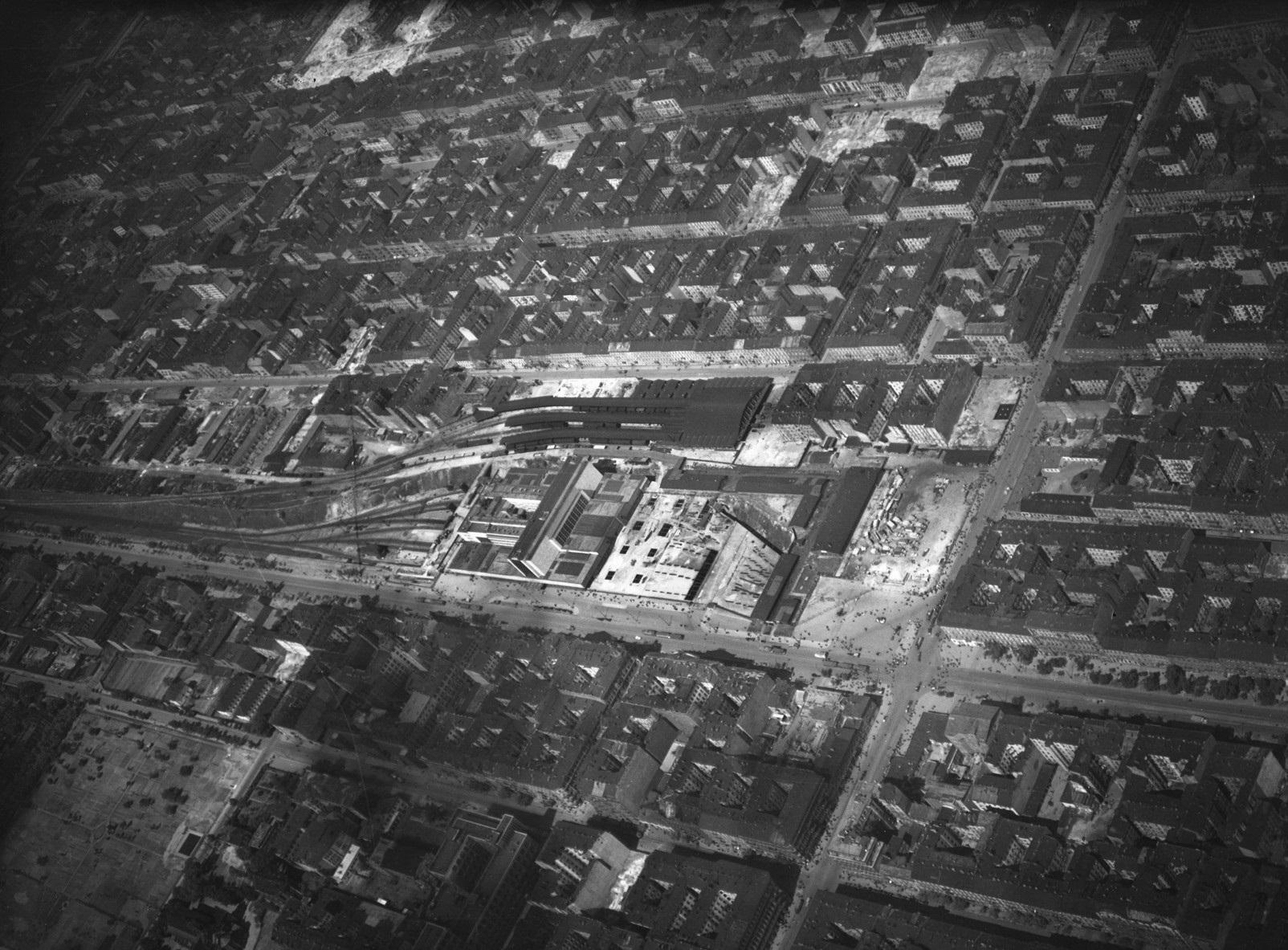 14. Zdjęcie lotnicze Luftwaffe. Wiosna 1944.jpg